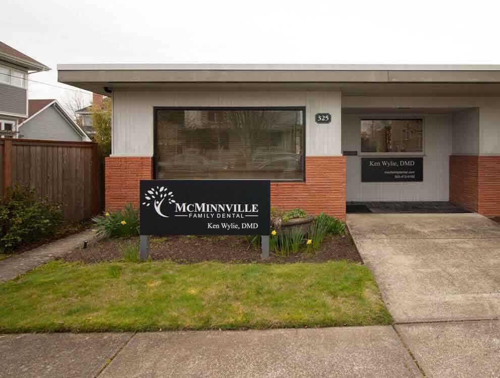 McMinnville Family Dental - 325 NE 6th St., McMinnville, Oregon 97128